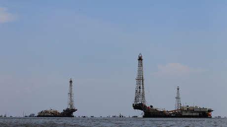 Instalaciones petroleras en el Lago Maracaibo en Lagunillas. Venezuela, 24 de mayo de 2018