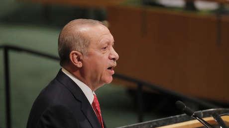 El presidente turco, Recep Tayyip Erdogan, habla durante la 73.ª sesión de la Asamblea General de la ONU en la sede de la organización en Nueva York, EE.UU, el 25 de septiembre de 2018.