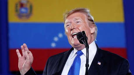 El presidente de EE.UU.,  Donald Trump, habla sobre la crisis en Venezuela durante una visita a la Florida, el 18 de febrero de 2019.