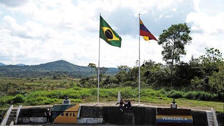 Frontera con Venezuela, vista desde la ciudad brasileña de Pacaraima, estado de Roraima, Brasil.
