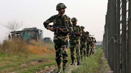 Fuerzas de Seguridad Indias en la frontera con Pakistán, 26 de febrero de 2019.