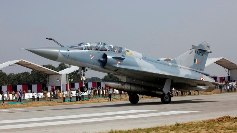VIDEO: Periodista publica un supuesto combate entre aviones de la India y Pakistán