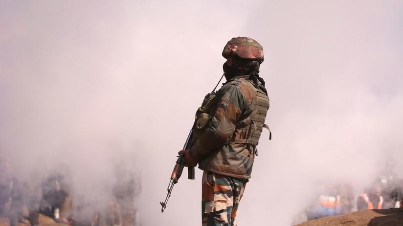 """""""Sería un suicidio mutuo"""": Ministro de Exteriores pakistaní asegura que su país no busca desatar una guerra con la India"""