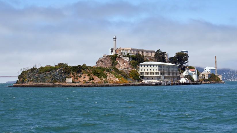 """""""La historia debajo de nuestros pies"""": descubren vestigios de una base militar escondida bajo la cárcel de Alcatraz"""