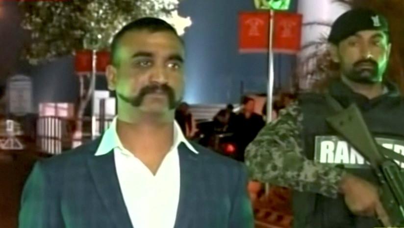 """""""Llevaba una pistola y había demasiada gente"""": habla tras su regreso a la India el piloto capturado en Pakistán"""