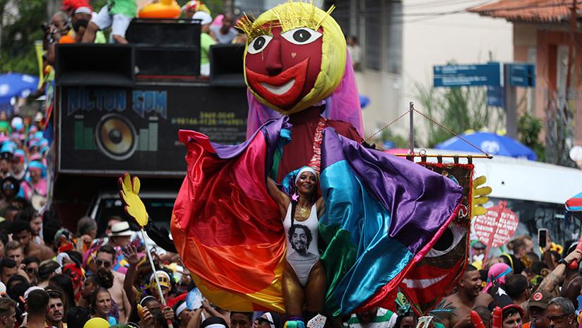 La crítica política llega con ritmo de samba al carnaval de Río de Janeiro