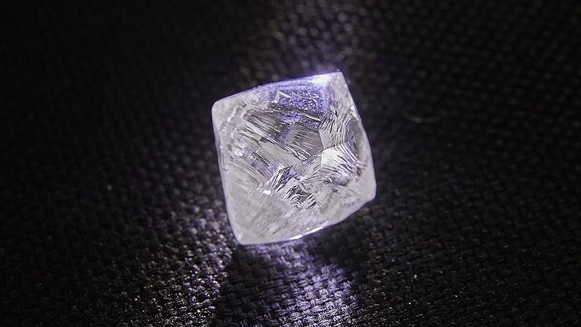 Hallan en Rusia un inusual diamante de calidad gema de casi 100 quilates