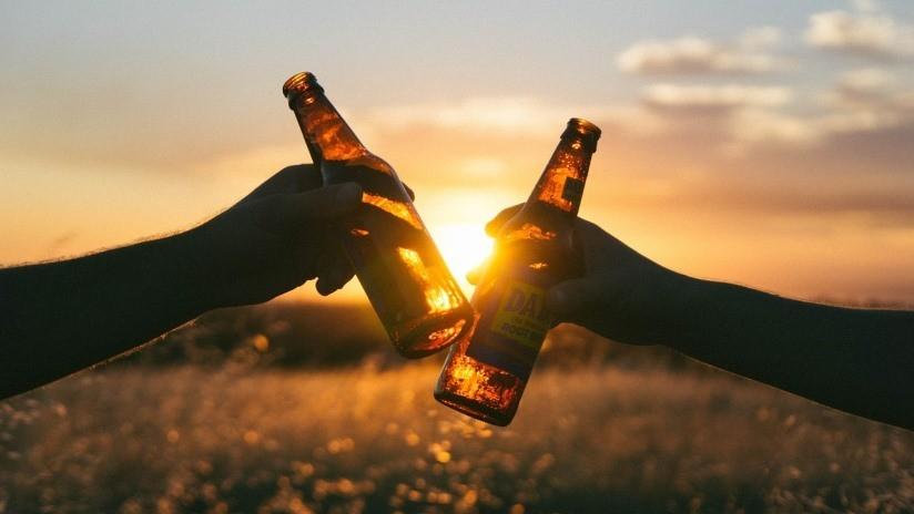 El alcohol puede ser beneficioso, pero depende de la edad a la que se tome