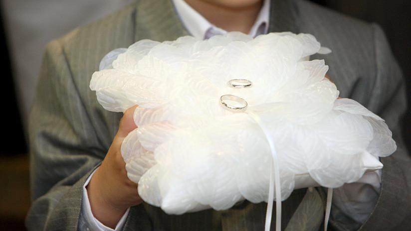 Un padre ofrece 300.000 dólares y su negocio a quien quiera casarse con su hija bajo una condición