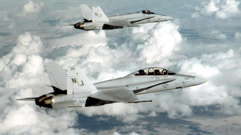 California: Colisionan en pleno vuelo dos cazas F/A-18s
