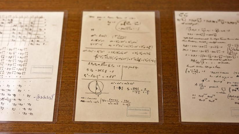 Resuelven un 'rompecabezas' de Einstein tras encontrar la página faltante de un manuscrito suyo
