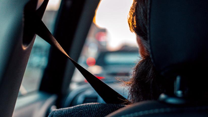 VIDEO: Graban a un hombre que recorre dormido una autopista dentro de un Tesla con el piloto automático