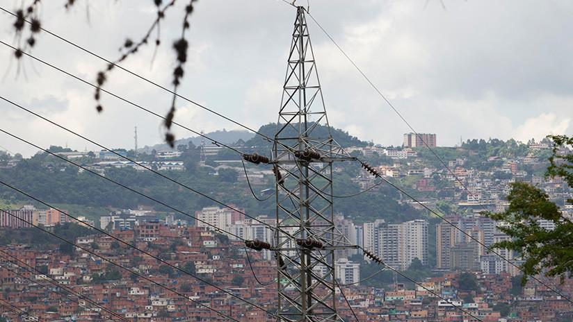 """Venezuela se recupera tras el apagón masivo que el Gobierno de Maduro atribuye a un """"sabotaje"""""""