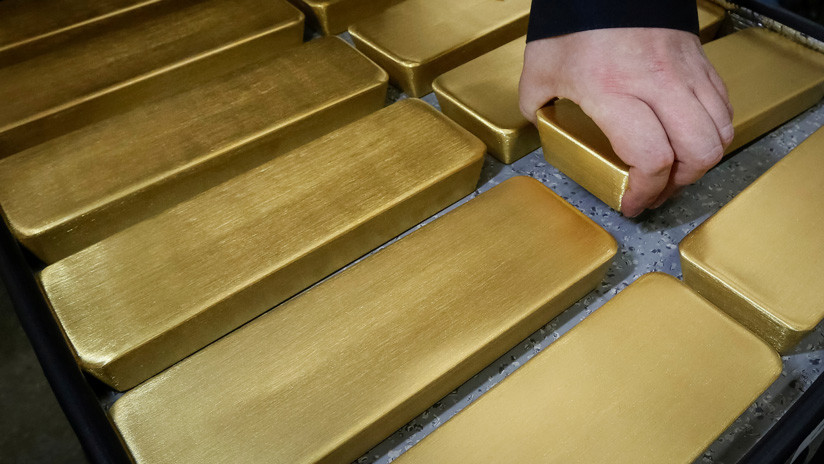 China aumenta sus reservas de oro por tercer mes consecutivo en su lucha contra el dólar