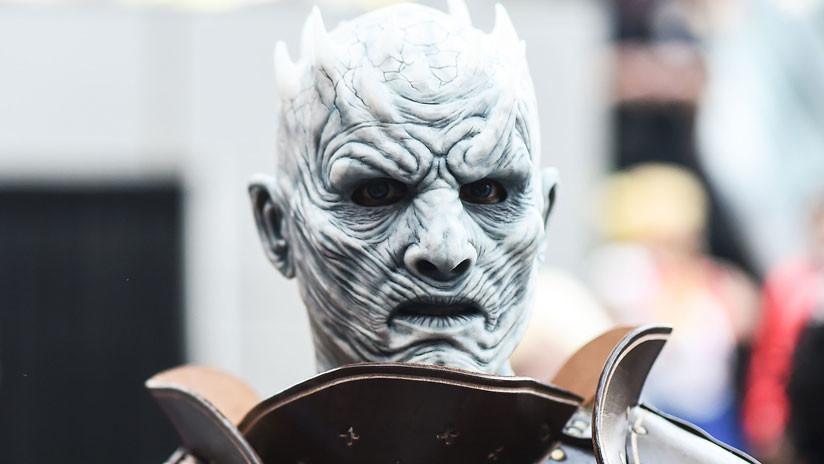 El Rey de la Noche ya está vencido: Queman un muñeco del villano de 'Juego de Tronos' durante una fiesta en Rusia (FOTOS)