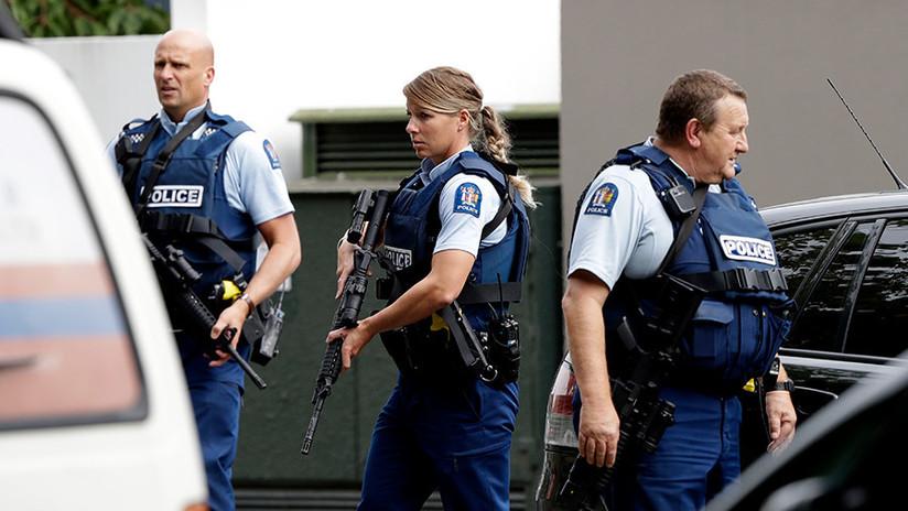 Primeras imágenes desde el lugar del tiroteo mortal en una mezquita en Nueva Zelanda