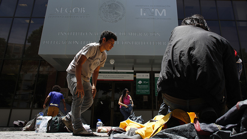 Gobierno de México destituye a más de 30 agentes migratorios por irregularidades