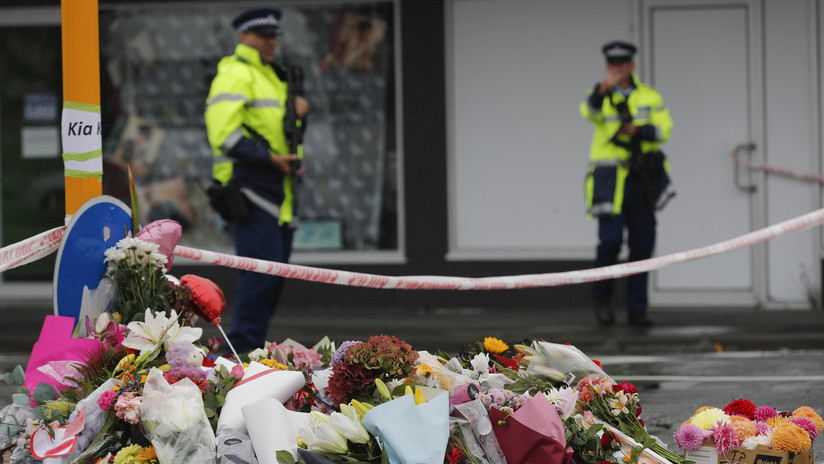 Un hombre cubrió a su hijo de dos años con su cuerpo durante el ataque terrorista en Nueva Zelanda
