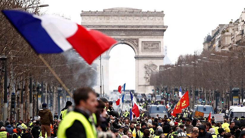 Francia prohibirá las protestas de los 'chalecos amarillos' en varios barrios en caso de que asistan violentos