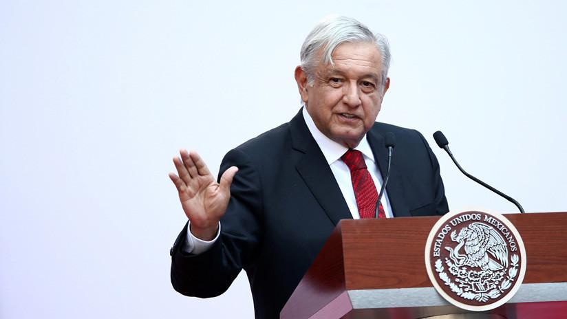 López Obrador firma un convenio para no reelegirse tras las duras críticas de sus adversarios