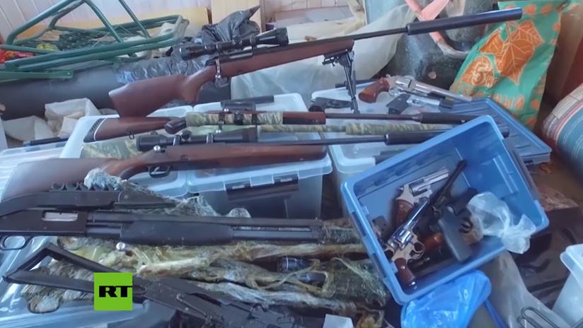 VIDEO: Descubren un alijo de armas de una peligrosa banda criminal rusa de los 90