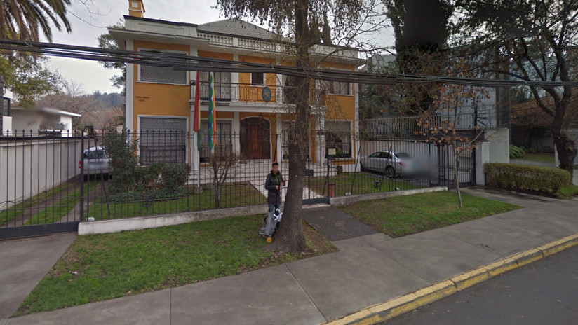 Consulado de Bolivia en Santiago recibe amenazas de bomba en 'venganza' por la muerte de un músico chileno
