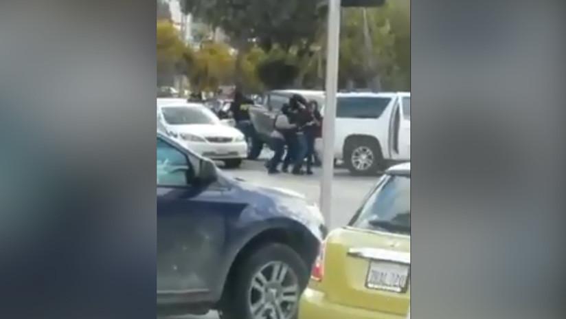 Secuestran a dos hijos del narcotraficante mexicano 'El Chuy Labra' a plena luz del día (VIDEO)