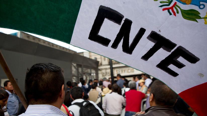 Los maestros cercan el Congreso y exigen cambios a la reforma educativa impulsada por López Obrador