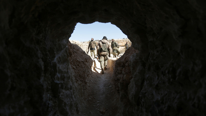 Terroristas del EI se esconden en cuevas atemorizados por los decisivos combates en Siria