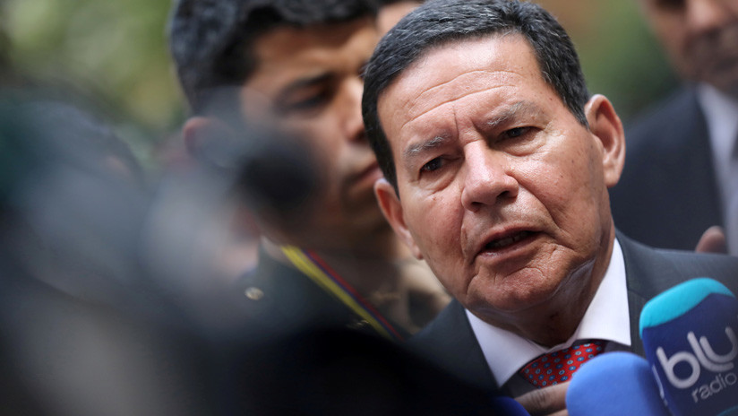 """El vicepresidente de Brasil se queja de las agresiones del """"gurú"""" de Bolsonaro"""