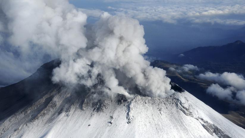 """México: El volcán Popocatépetl registra una nueva explosión con """"contenido alto de ceniza"""""""