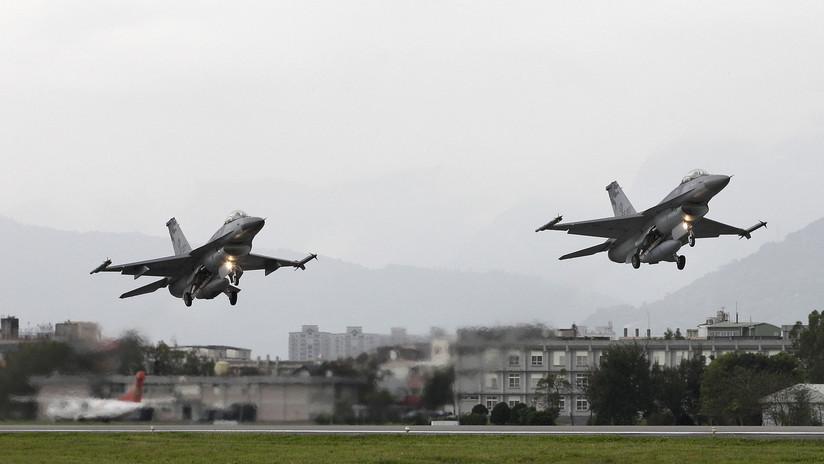 Bloomberg: Asesores de Trump apoyan la venta de más de 60 cazas F-16 a Taiwán