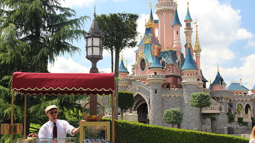 VIDEO: Pánico y evacuaciones en Disneyland de París