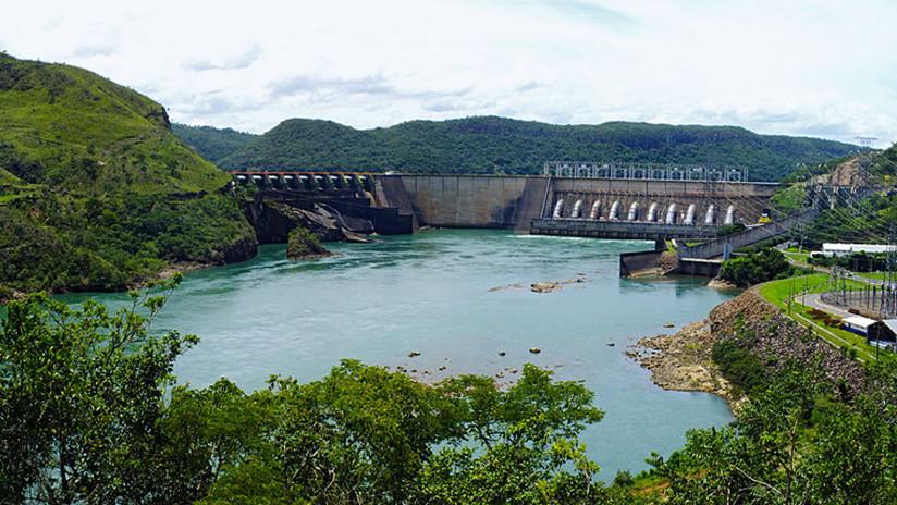 Declaran el nivel máximo de alerta por riesgo en presa de Brasil