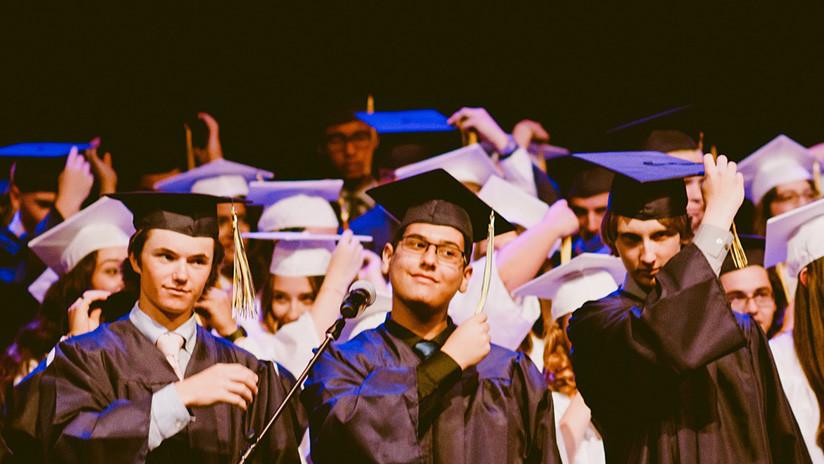 """""""¡Recoge mi algodón!"""": Universitarios de EE.UU. se burlan de la esclavitud en un video viral"""