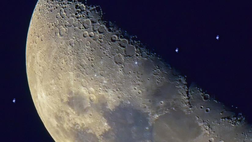 FOTO: Capta una imagen única del paso de la EEI frente a la Luna tras esperar años el momento perfecto