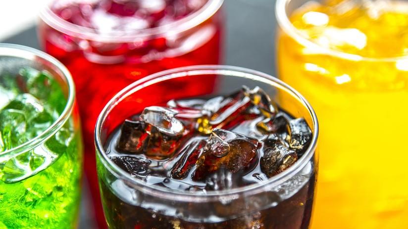 Consume 6 bebidas energéticas al día y muestra el resultado para advertir de las consecuencias