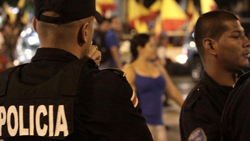 Despiden a cuatro policías tras la muerte de un