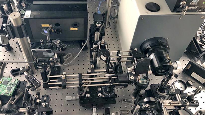 FOTO, VIDEOS: La cámara más rápida del mundo filma un rayo láser a la velocidad de la luz