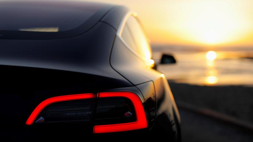 VIDEO: Tesla Motors recaba datos personales de sus clientes, a los que pueden acceder terceras personas después de la reventa