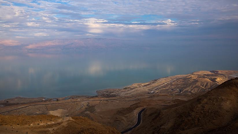 """Hallan """"uno de los ecosistemas más extremos del planeta"""" bajo el lecho del mar Muerto"""