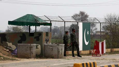 Soldados pakistaníes en un puesto fronterizo Wagah, el 1 de marzo de 2019.