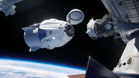 La Crew Dragon de SpaceX se acopla a la EEI.