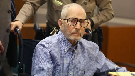 Robert Durst escucha los cargos en asesinato de Susan Berman, Los Ángeles, EE.UU. 6 de enero de 2017.