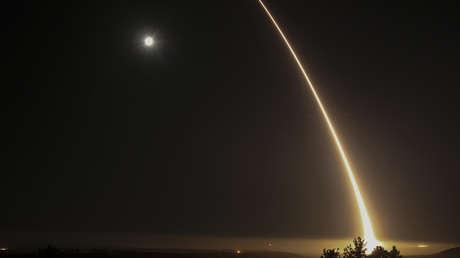 Prueba de un misil balístico intercontinental en la base aérea Vandenberg (California, EE.UU.), 3 de mayo de 2017.