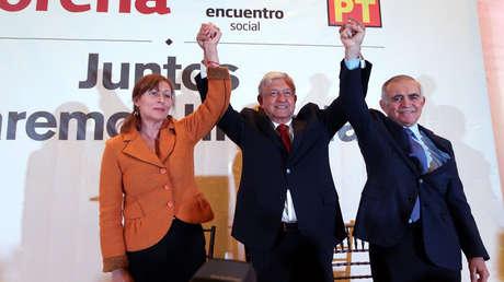 Andrés Manuel López Obrador presenta a Tatiana Clouthier como coordinadora de campaña y a Alfonso Romo como responsable de estrategia. Ciduad de México, 15 de enero, 2018.