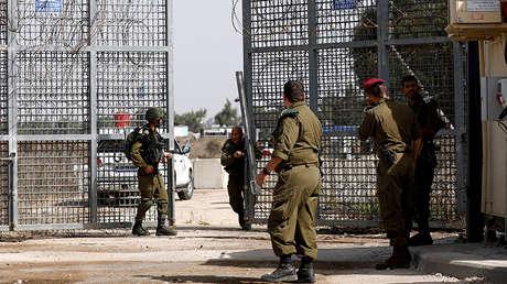 Soldados israelíes cerca del cruce fronterizo de Qunteira entre Siria e Israel en los Altos del Golán, el 15 de octubre de 2018.