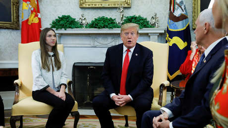 El presidente Donald Trump con la esposa del diputado opositor venezolano Juan Guaidó y el vicepresidente Mike Pence en la Casa Blanca, Washington, 27 de marzo de 2019.