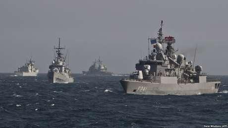 Buques de guerra de la OTAN en el mar Negro, el 16 de marzo de 2015