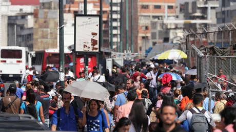 La gente en la calle en Caracas, Venezuela, 25 de marzo de 2019.